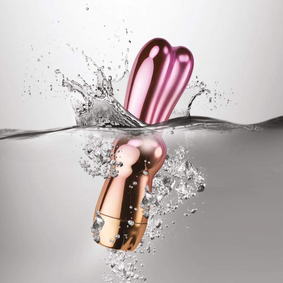 ROCKS OFF LITTLE CHARM VIBRATOR