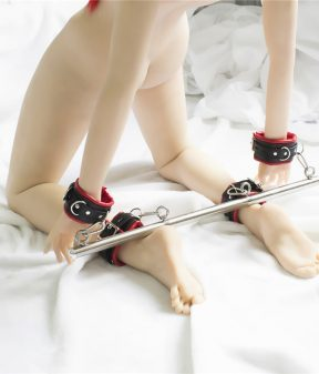 Spreader Bar with 4 Padded Cuffs Set
